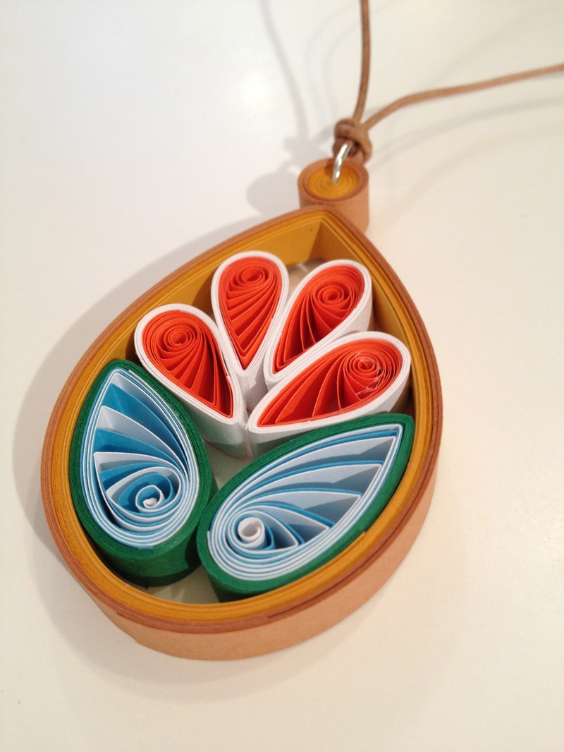 Modern quilling articles projects and how to 39 s for Big quilling designs